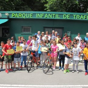 María José García Orejana comparte la mañana con los más pequeños en el concurso escolar de educación vial
