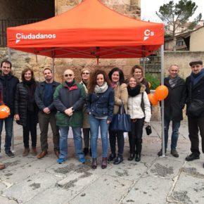 """Cs Segovia continúa con su """"ruta naranja"""" para darse a conocer en la ciudad."""